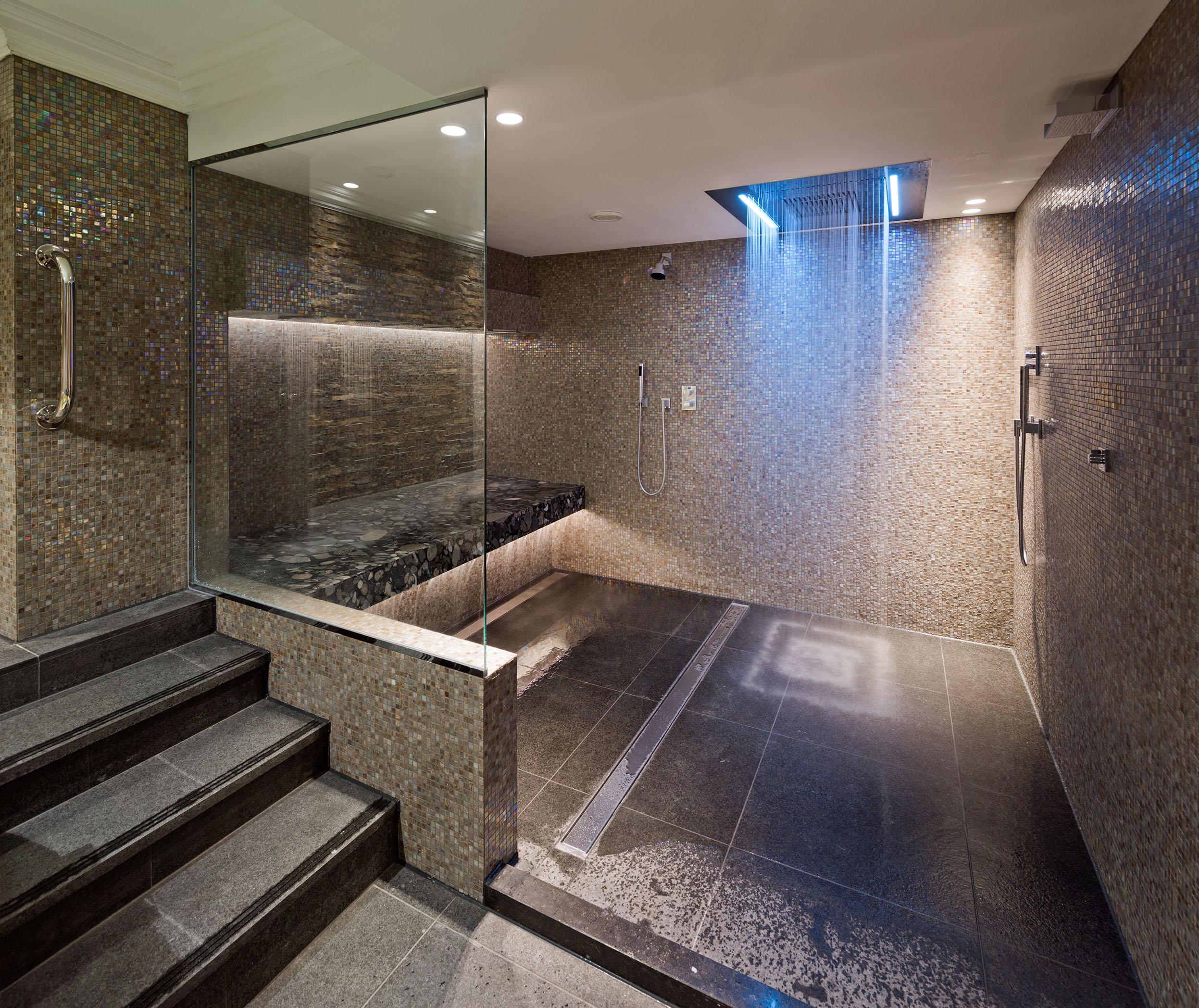 Wellness etage amstel hotel vernieuwd for Salle de douche luxe
