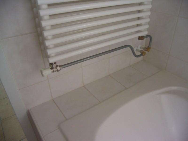 Aansluiting radiator - Muur tegel installatie ...