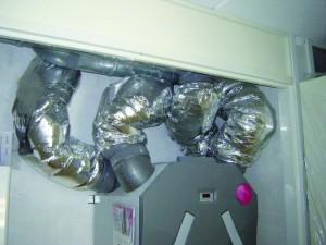 Voorbeeld van te veel weerstand in ventilatiekanalen.
